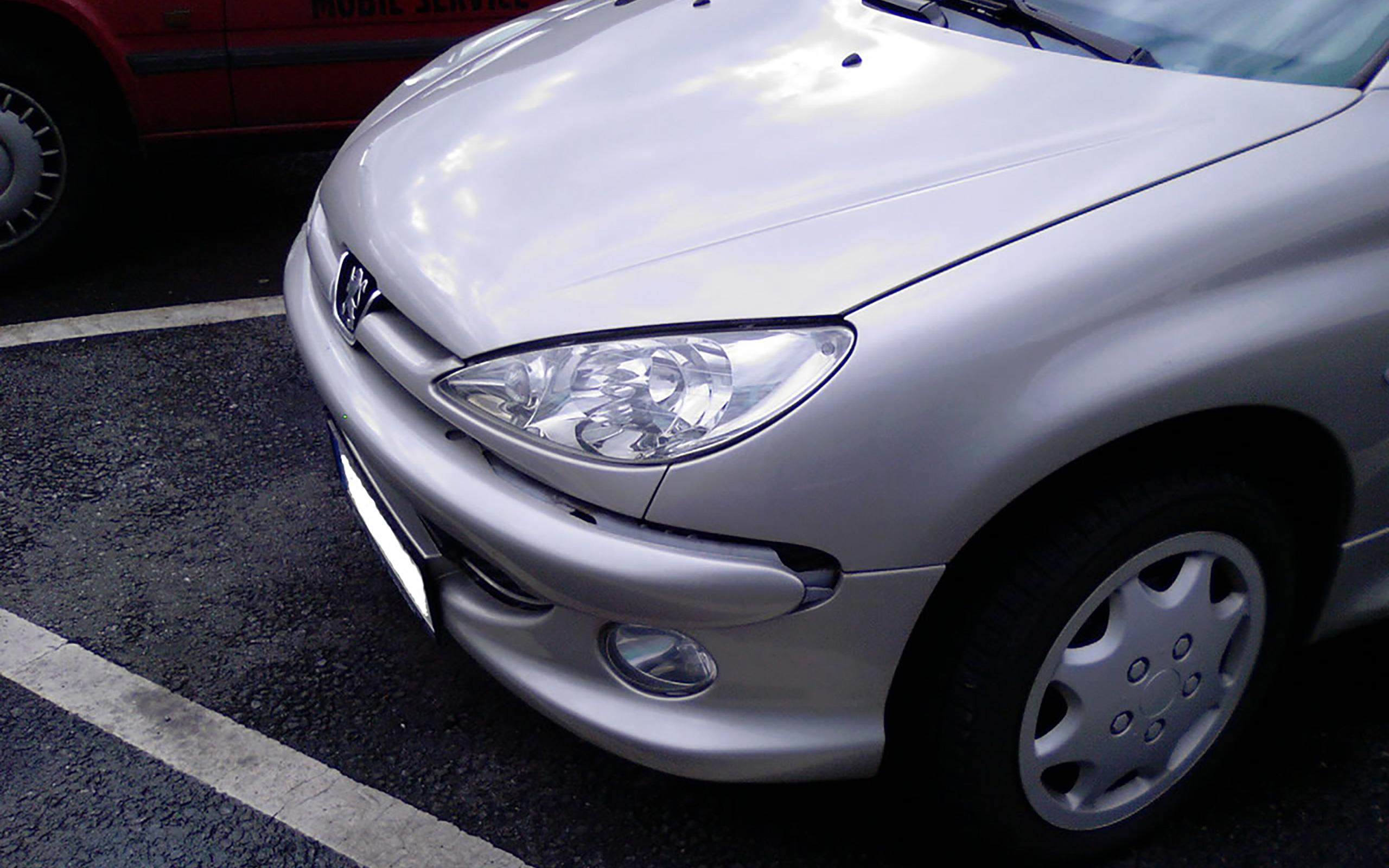 Unfallschaden Peugeot 206cc