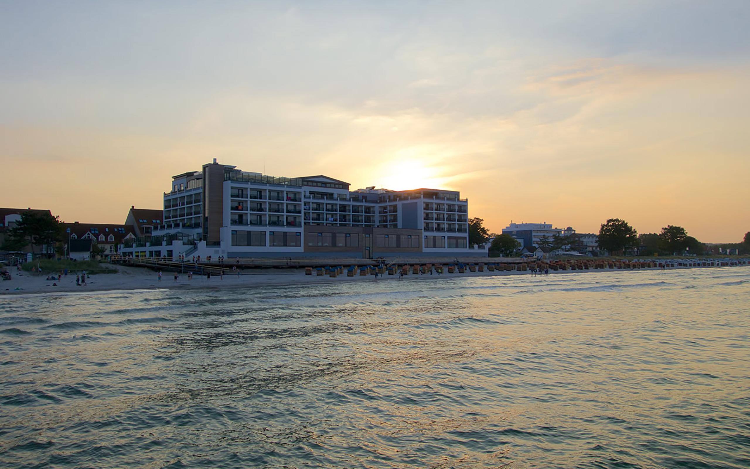 Das BAYSIDE Hotel liegt direkt am Strand von Scharbeutz