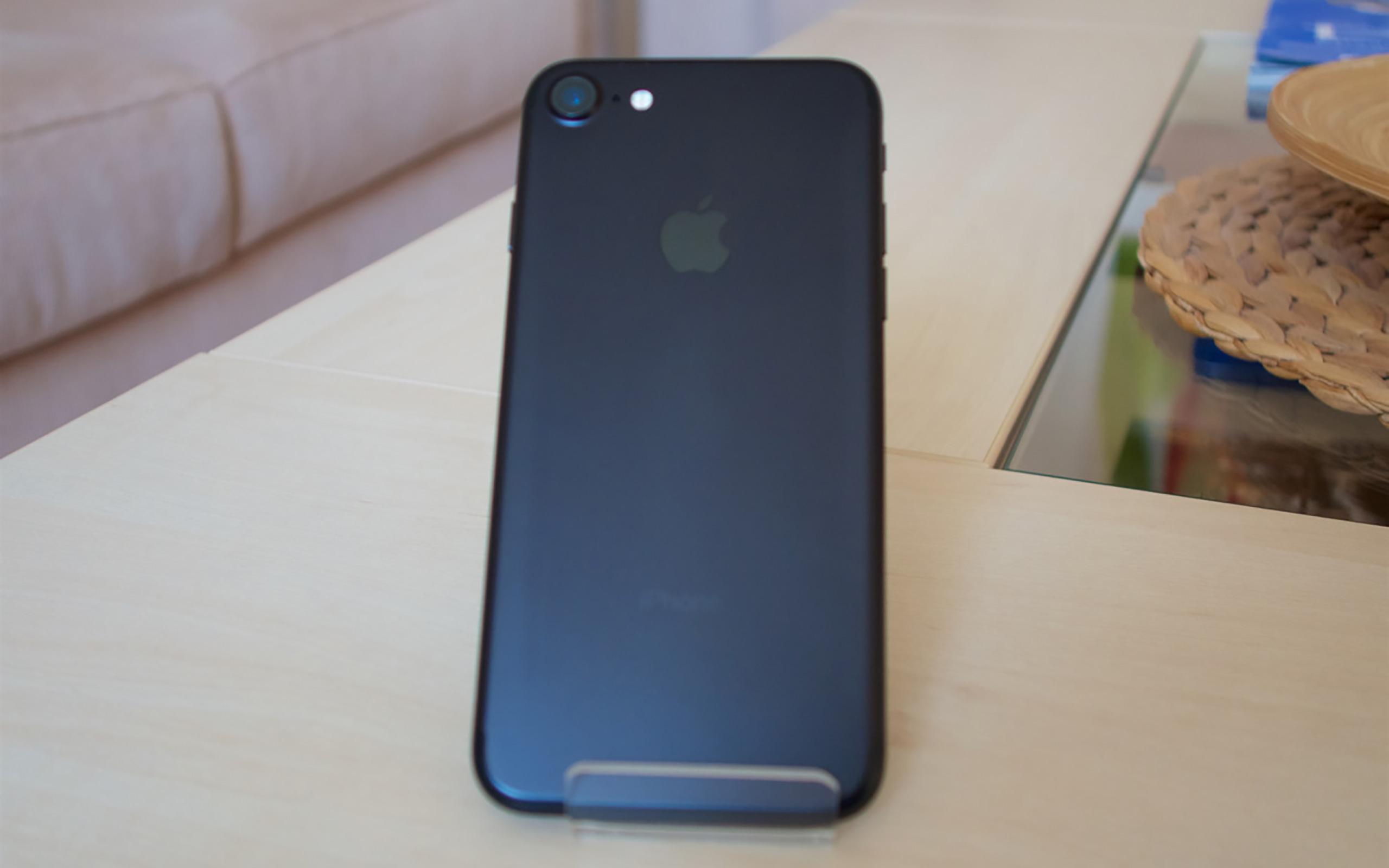 Apple iPhone 7 in schwarz matt