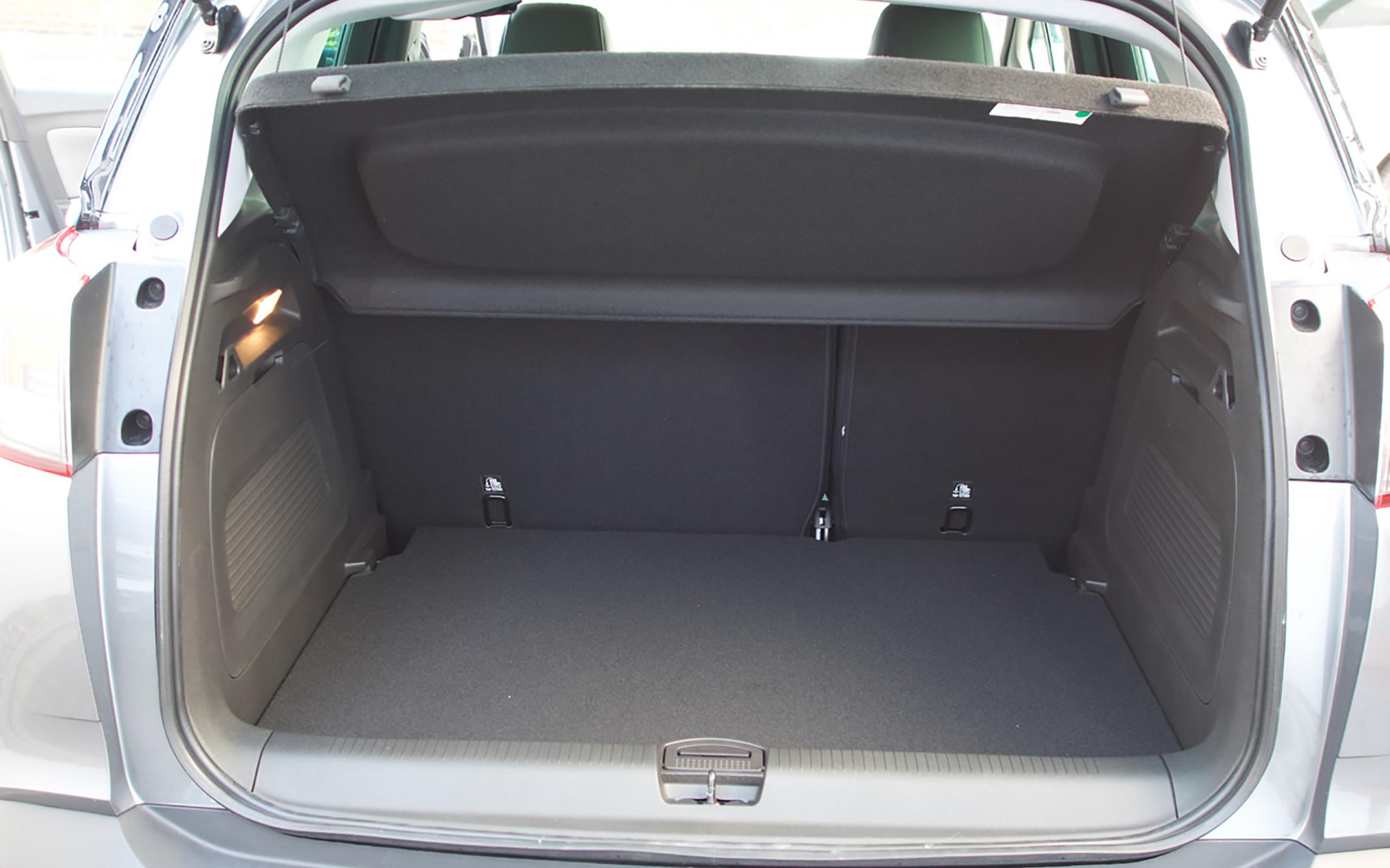 410 Liter Kofferraumvolumen, bei umgeklappter Rücksitzbank bis zu 1.255 Liter