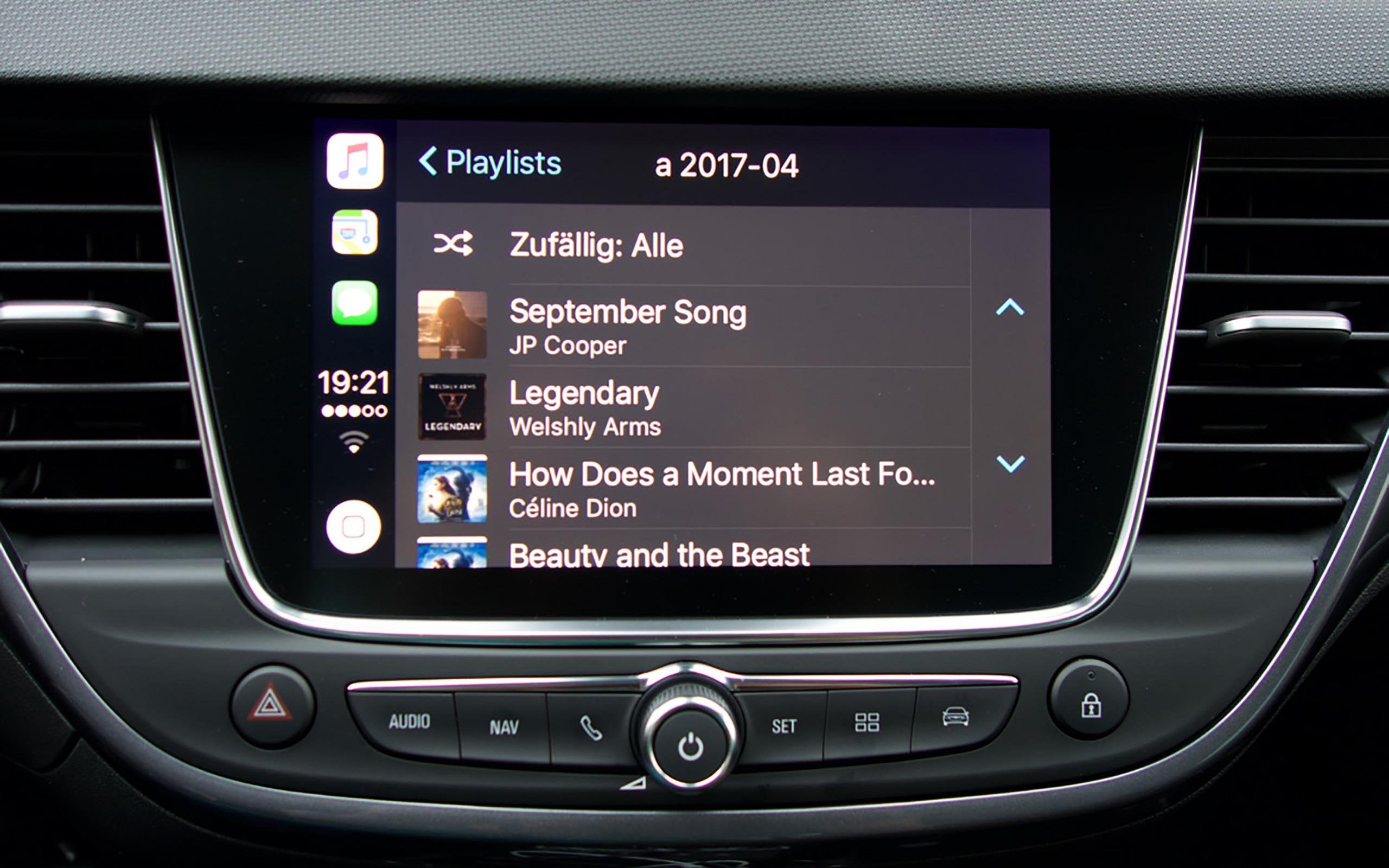 Musik über Apple CarPlay