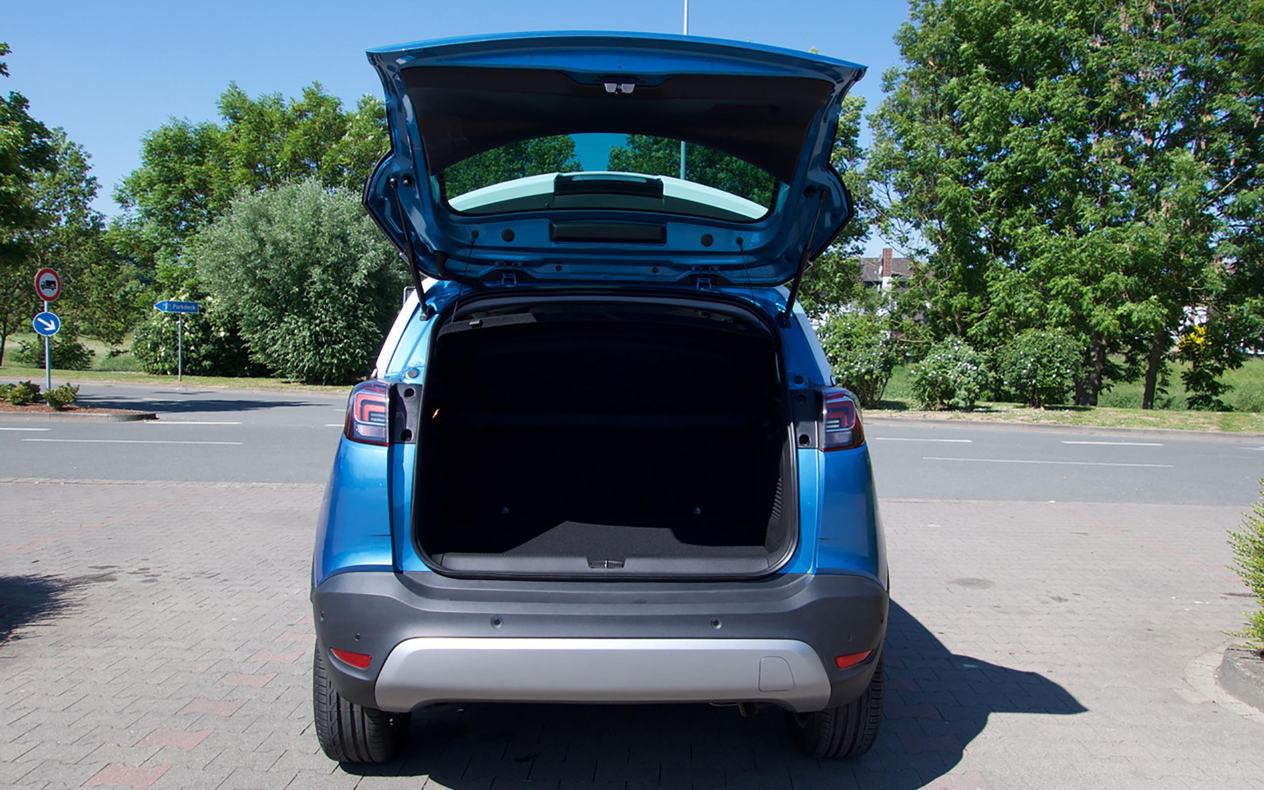 410 Liter Kofferraumvolumen, bei umgeklappter Rücksitzbank bis zu 1.255 Liter.