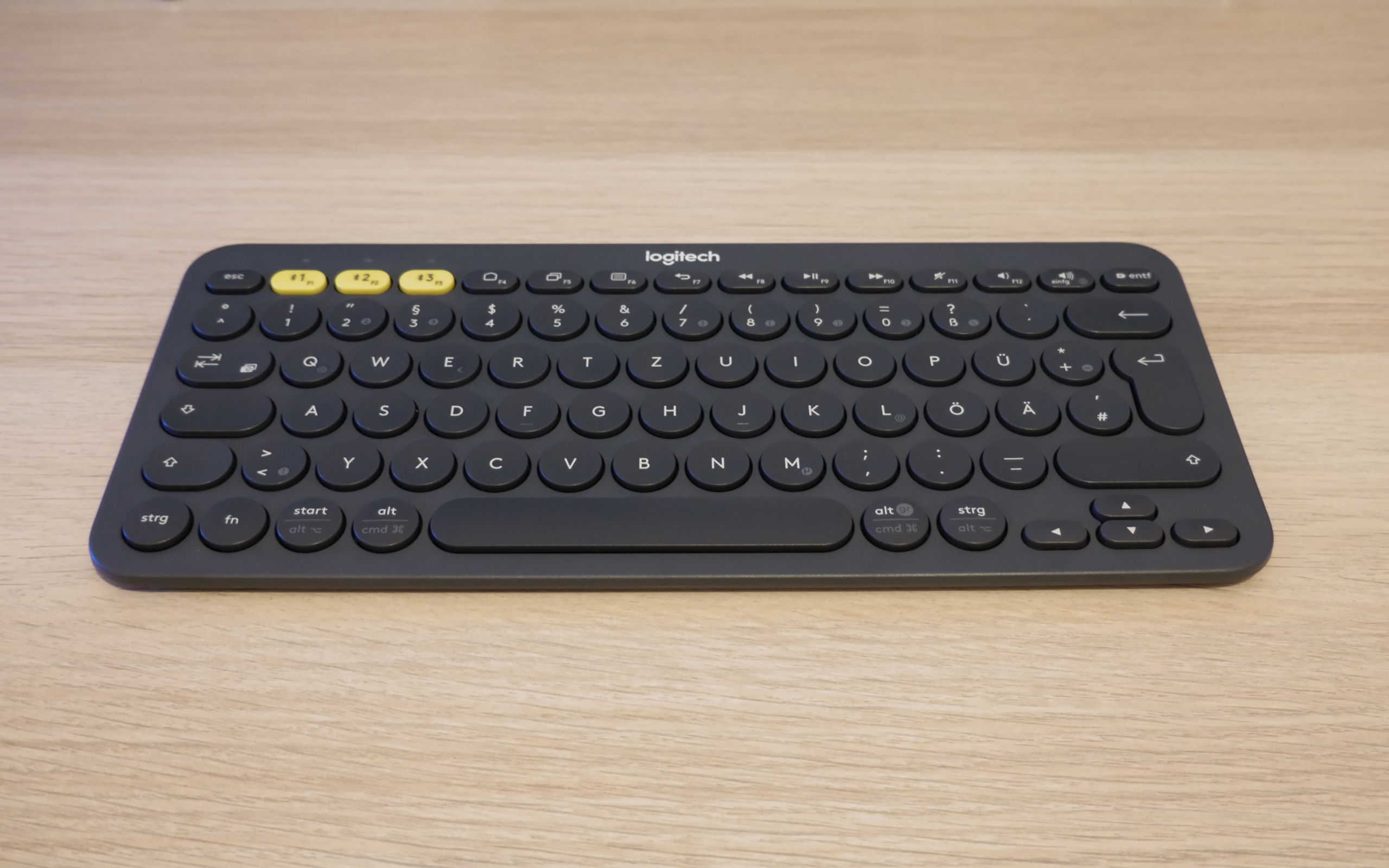 Logitech K380.