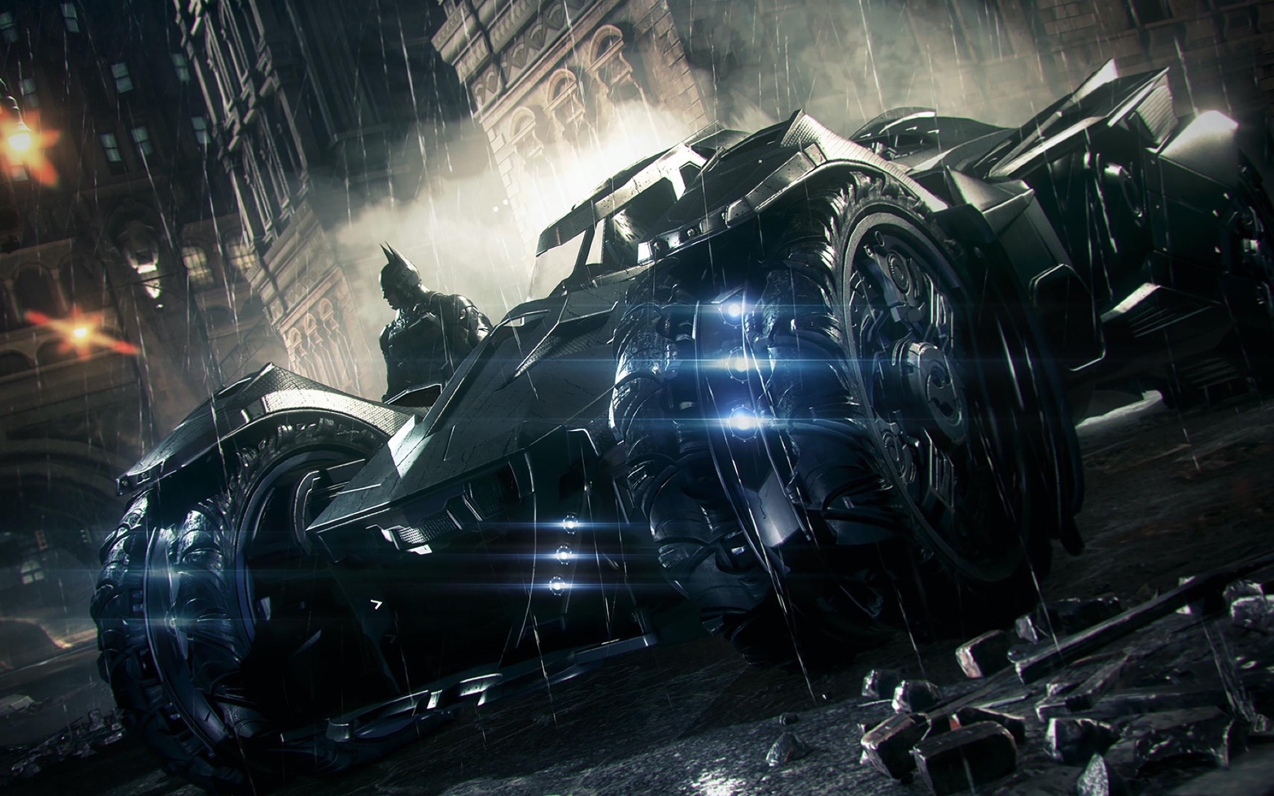 Batman fährt zum ersten Mal mit dem mächtigen Batmobil durch Gotham City.